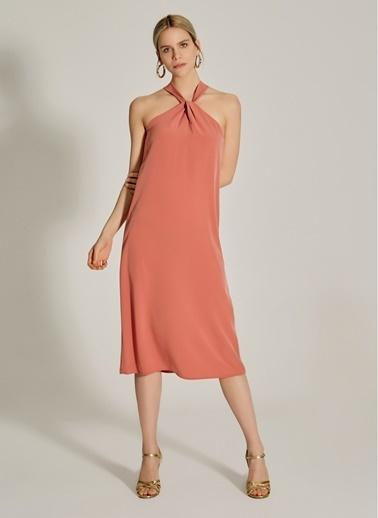 NGSTYLE Yaka Detaylı Midi Elbise Gül Kurusu